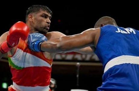 बॉक्सर सतीश कुमारचा सामना सुरु होणार, भारताला पदकाची आशा