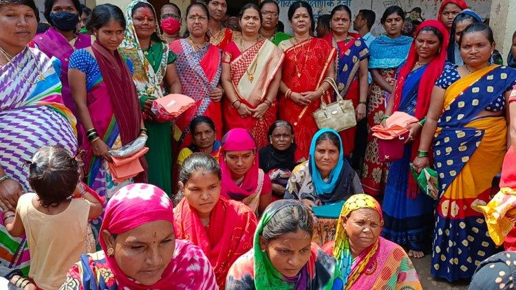 कष्टकरी नवदुर्गांचा सन्मान, हिच खरी दुर्गा पुजा, सौ.मंगलताई देशमुख,व्यसनमुक्त महिला संघाचा उपक्रम